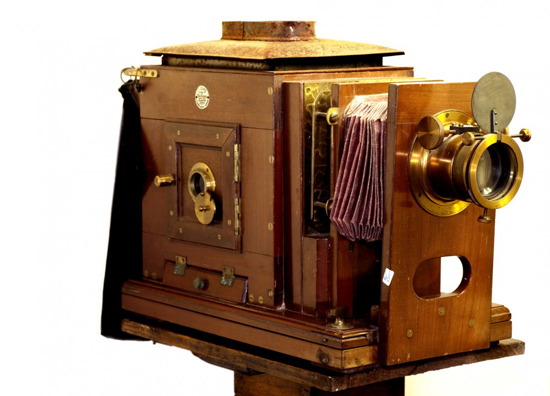 A link to Magic lantern slide projector